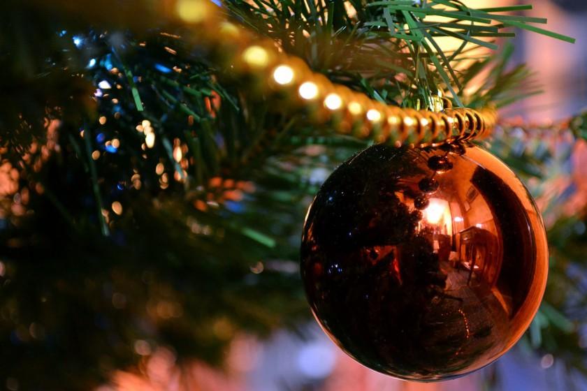 christmas-ball-750056_1280